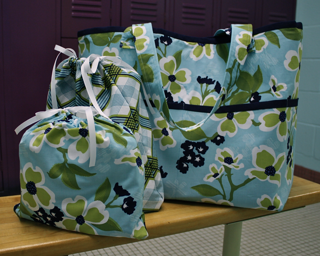 Game Day Gym Bag tutorial | Sew Like My Mom